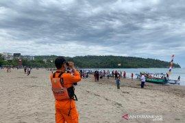 Basarnas siagakan tim untuk penyelamatan di objek wisata Pangandaran dan Santolo