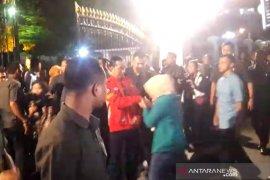 Presiden Jokowi saksikan pesta kembang api di kawasan Titik Nol Yogyakarta