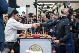GM Magnus Carlsen sempurnakan gelar usai catur kilat