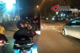 Razia pasangan mesum di Medan, puluhan orang diamankan