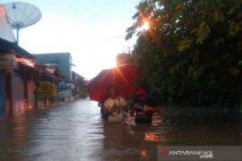 Hujan lebat akibatkan Kota Bekasi dikepung banjir pada awal 2020