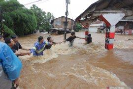 ACT terjunkan tim penyelamatan  korban banjir Jakarta dan Tangerang