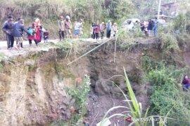 Rawan longsor dan kecelakaan, dewan minta ruas jalan di Aceh Tengah ini dipindahkan
