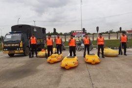 Bantu korban banjir bandang Lebak, Polda Banten turunkan 500 personel