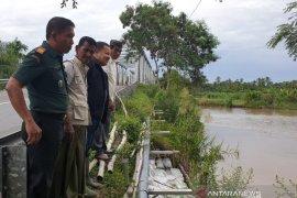 Pemerintah Aceh harus tangani erosi Jembatan Peuribu tahun ini