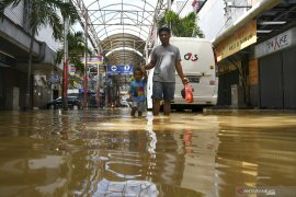 Kemensos data 21 orang meninggal akibat banjir dan longsor wilayah Jabodetabek