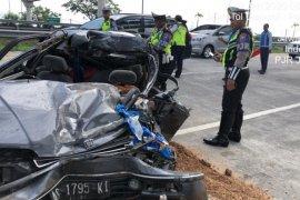 Kecelakaan mobil di Tol Pandaan, ibu dan dua anaknya tewas