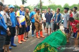 Terserat banjir, dua warga ditemukan tewas di Jakarta Barat