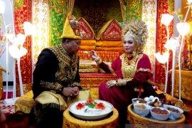Aceh Barat miliki Ketua PKK yang baru, Evi Juwinda namanya