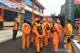 Basarnas Bandung terjunkan tiga tim bantu tangani banjir Jabodetabek
