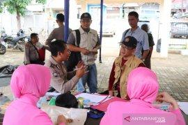 IPB University salurkan bantuan untuk korban banjir dan longsor di Bogor