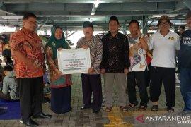 Baznas salurkan bantuan Rp100 juta untuk korban banjir Kota Tangerang