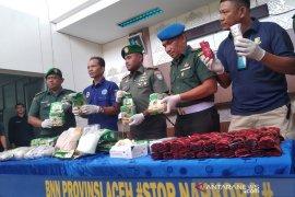 Babinsa temukan belasan kilogram sabu-sabu dan puluhan ribu butir ekstasi di Aceh Tamiang