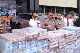Bongkar investasi bodong, polisi sita uang Rp50 miliar