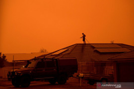 Berita dunia - Asap kebakaran hutan ganggu babak awal Australia Open