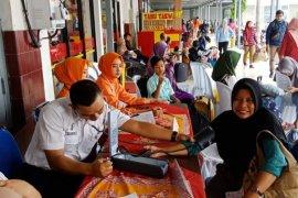 Puluhan penumpang di Stasiun Kediri mendapat layanan kesehatan gratis
