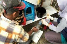 Tim kesehatan fokuskan disinfeksi pascabanjir di rumah warga