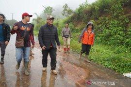 BPBD butuh waktu dua hari lagi evakuasi akses yang putus di Sukajaya Bogor