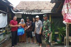 Bantuan untuk korban banjir di Tangerang terus berdatangan