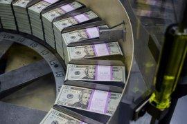 Dolar Amerika melemah di tengah ketegangan geopolitik