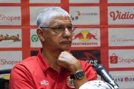 Persija Jakarta tidak pakai lagi pelatih Edson