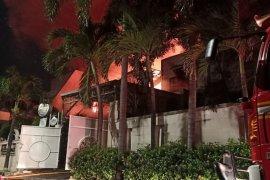 Rumah mewah terbakar, dua lansia tewas