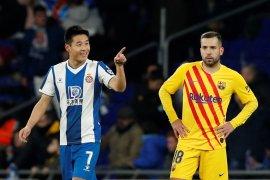 Liga Spanyol, Barcelona ke puncak klasemen lagi walau seri 2-2 lawan Espanyol
