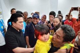 Tinjau posko banjir, Menteri BUMN fokus salurkan air bersih dan obat