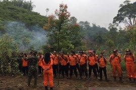 Tim gabungan Basarnas terus cari pelajar hilang di Danau Kaco