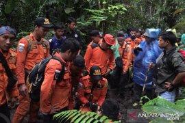Tim Basarnas terus cari pelajar hilang di Kerinci