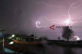 BMKG ingatkan Cirebon potensi alami cuaca ekstrem dan waspadai bencana