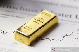 Harga emas turun tipis, setelah kekhawatiran virus China berkurang