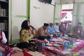 Bupati temu wicara bersama warga Tanah Rata