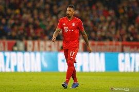 Dikaitkan dengan Arsenal, Flick berharap Boateng tetap bertahan di Munchen
