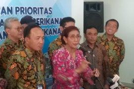 Susi Pudjiastuti minta terus tegakkan hukum terhadap pencuri ikan
