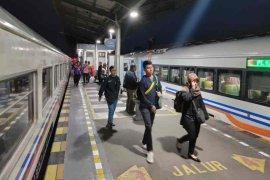 KAI Cirebon catat penumpang naik 6 persen selama libur Natal-Tahun Baru