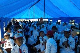 Mendikbud Nadiem tinjau sekolah ambruk di Cibinong