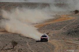 Dakar 2020: Peterhansel kehilangan kontrol kemudi jelang finis etape II