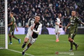 Liga Italia, Ronaldo ukir trigol bawa Juve puncaki klasemen sementara