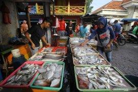 Harga ikan laut naik