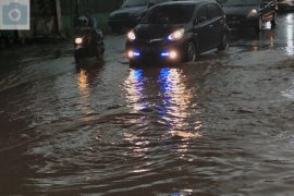 Hujan lebat guyur Bandarlampung akibatkan banjir Page 1 Small