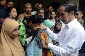 Jokowi tinjau warga terdampak banjir bandang di Bogor