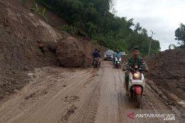 Sejumlah desa yang terisolasi di Sukajaya Bogor mulai terbuka aksesnya