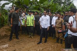 Presiden Jokowi kunjungi warga terdampak banjir di Bogor