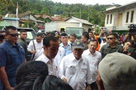 Presiden tinjau warga terdampak banjir bandang di Kabupaten Bogor