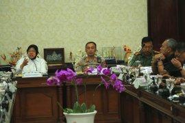 Risma gelar pertemuan tiga pilar bahas antisipasi banjir