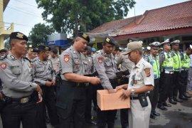 Polres Cirebon Kota galang donasi bagi korban bencana di Bogor dan sekitarnya