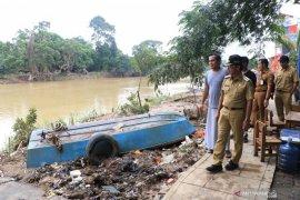 Warga Kota Tangerang keluhkan penyakit gatal kulit hingga diare pascabanjir
