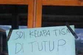 Protes hasil Pilkades, warga segel sekolah dan Kantor Desa