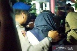 Tiga orang dibawa ke Polda Jatim saat OTT KPK di Sidoarjo